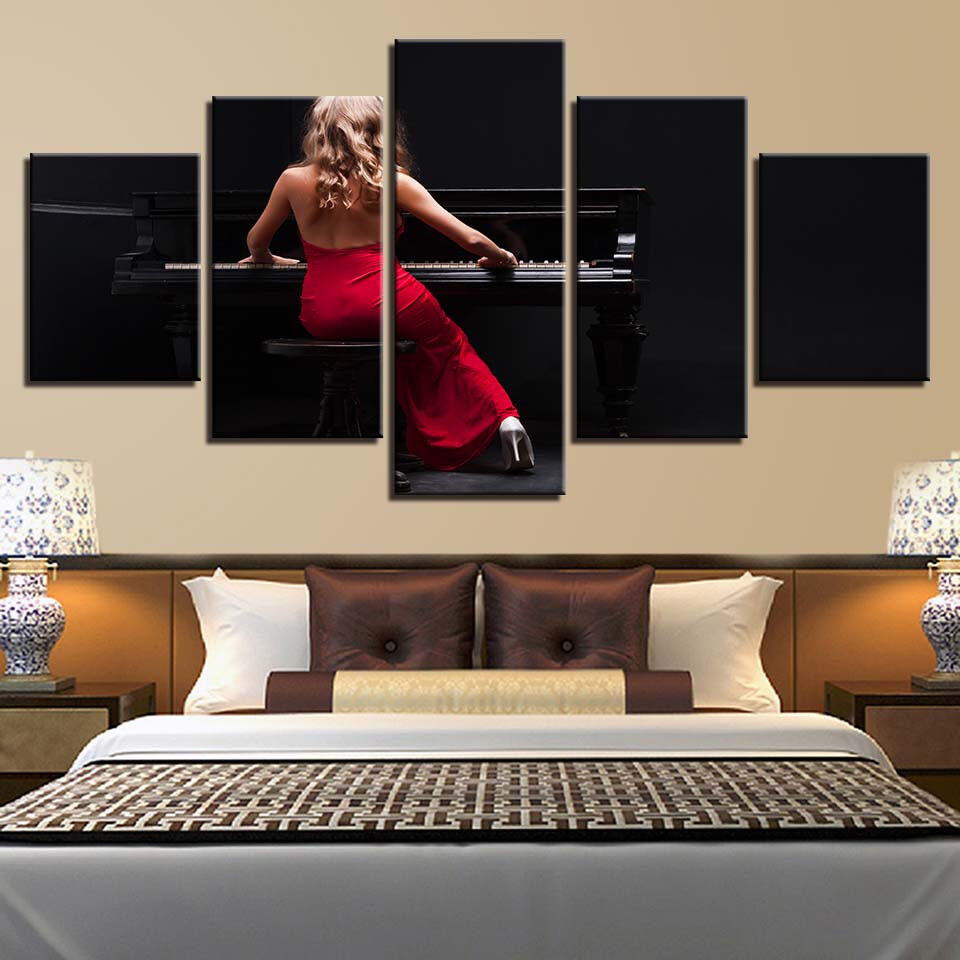 Lady In rot Playing Piano 5 Panel Canvas Print Wall Art