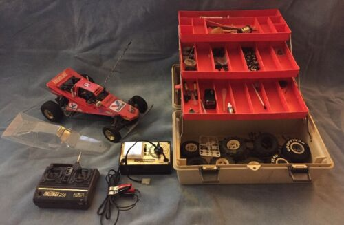 Aristocraft Challenger 250 RC Car W 75MHz Transmitter Charger & Extra Parts