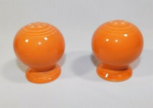 Fiestaware-Fiesta-Persimmon-Orange-Ball-Salt-amp-Pepper-Shaker-Set