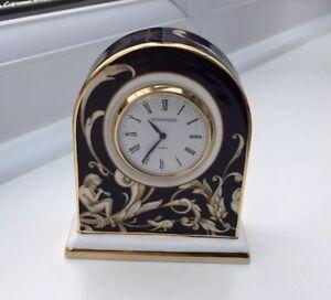 Wedgwood-Cornucopia-Clock-small-Desk-or-Table-Quartz-Battery
