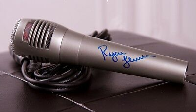 Signed New Microphone Ad2 Coa Numerous In Variety Ryan Lewis Expressive Gfa Macklemore Group