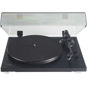 Teac-2-Speed-Analog-Belt-Drive-Turntable-with-USB-Digital-Output-Matte-Black-TN
