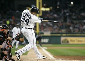 Miguel-Cabrera-Detroit-Tigers-UNSIGNED-8x10-photo