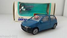 B Burago - Fiat Punto bleue (1/43)