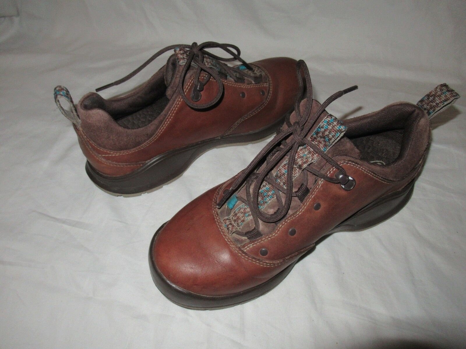 Chaco Tarvia Chaco Niedrig Niedrig Chaco Hiking Schuhes Damens Oxford Braun Leder  Größe 8 GUC c8bb3a