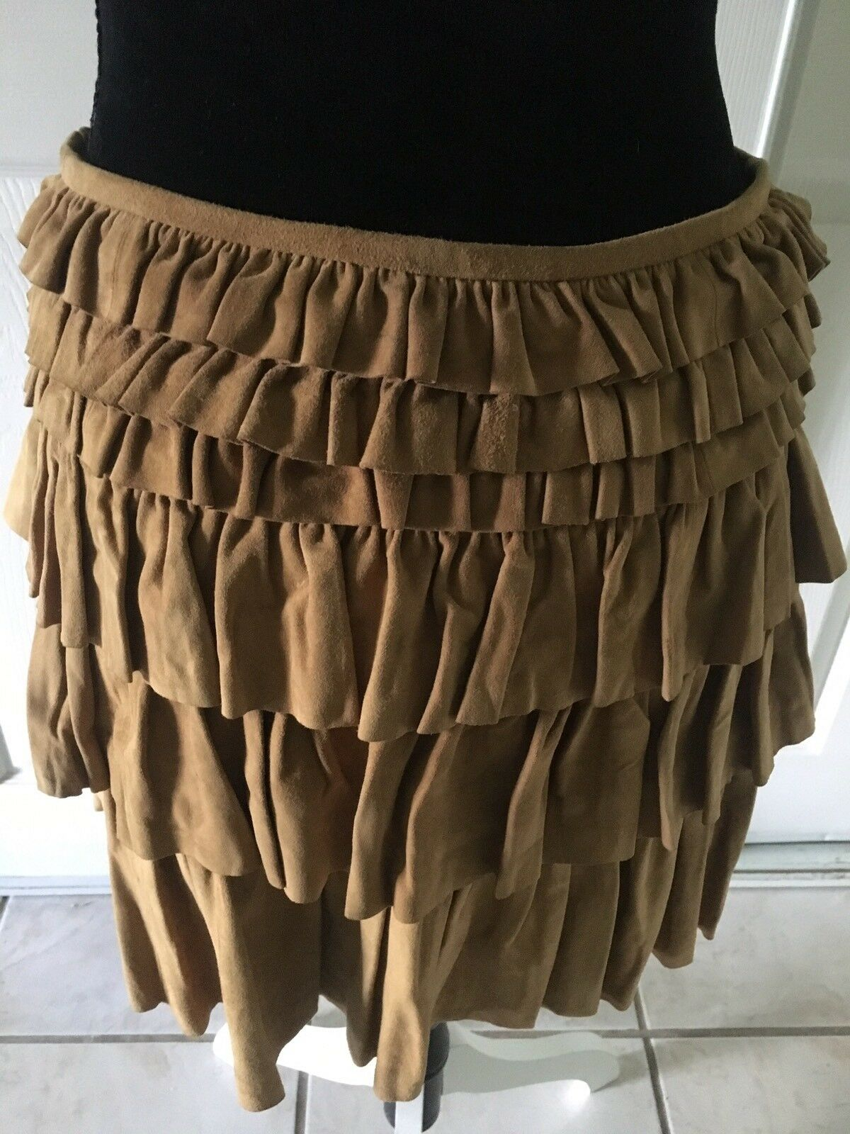 1245 NWT AUTH K-YEN RUFFLED BEIGE SUEDE ABOVE KNEE SKIRT FULLY LINED SZ M