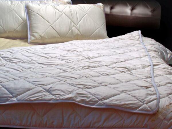 100% Merino Wool Trapunta Piumone Super King 220 X 260 Cm + Due Cuscini 45/75cm