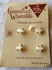 Le-CHIC-BUTTONS-ON-ORGINAL-10-CENT-CARD-4-BUTTONS-MADE-IN-WESTERN-GERMANY
