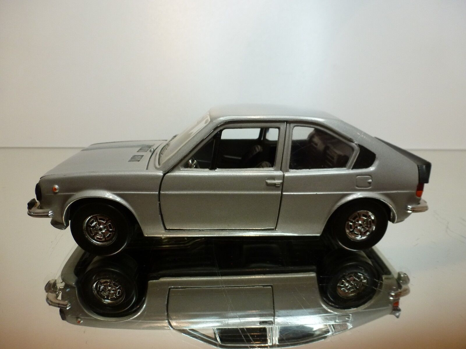POLISTIL S41 ALFA ROMEO ALFASUD ti - GREY METALLIC METALLIC METALLIC 1 25 - VERY GOOD CONDITION d0e0b8