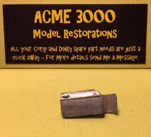 Corgi 327 345 MGB GT-reemplazo Repro De Metal Blanco Mano Derecha Puerta R//H