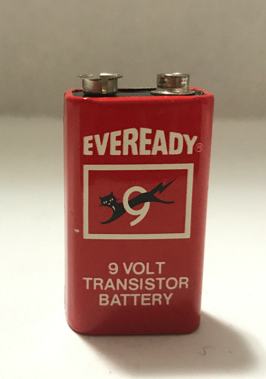 Vintage Eveready 9 Volt Battery Old Stock Red Cat , (Battery Is Dead)