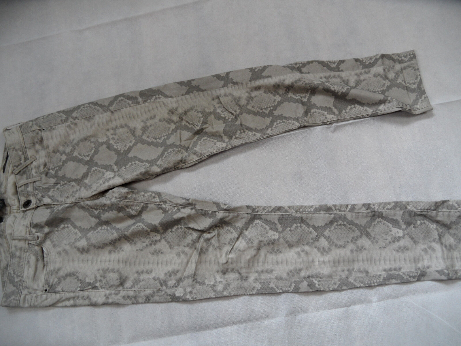 GUESS stylische Jegging skinny Jeans Snakeprint Gr. 27 TOP BI618
