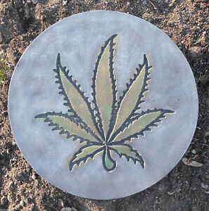 Concrete-Marijuana-mold-plaster-cement-pot-leaf-weed-mould