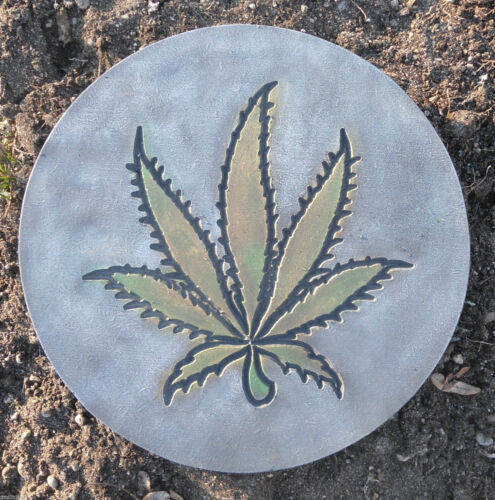 "Concrete Marijuana mold plaster cement pot leaf weed mould 10/"" x 3//4/"""