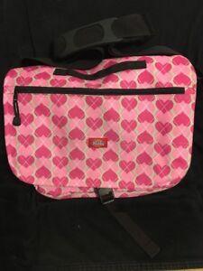 828a7e01dd La foto se está cargando Dickies-mensajero-bolsa-de-color-rosa -con-Corazones-