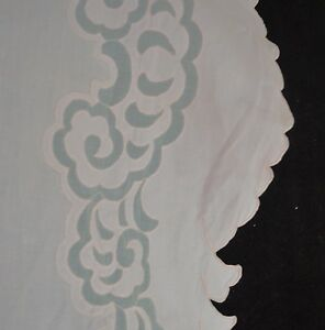 VINTAGE-MADEIRA-LINEN-EMBROIDERED-TABLECLOTH-BANQUET-CLOTH-W-12-NAPKINS-SS753