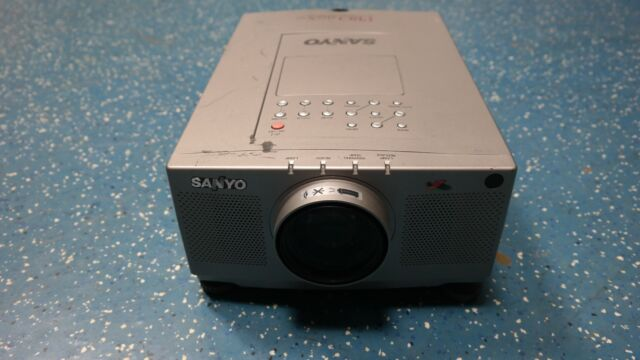 SANYO PLC-XP21N LCD Projector **