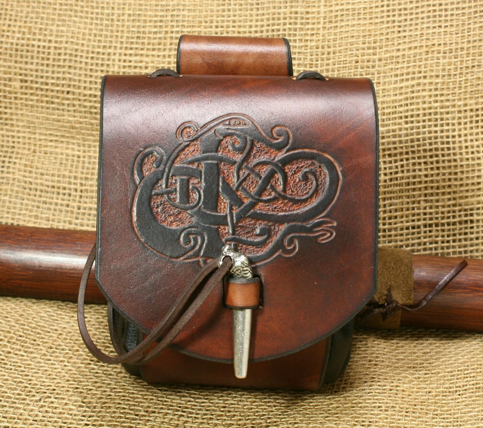 Medieval Bag Urnes-Stil Dragon Embossing Leather Brown Viking Pouch Belt