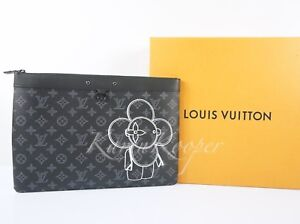 LOUIS-VUITTON-MONOGRAM-VIVIENNE-APOLLO-POCHETTE-POUCH-CLUTCH-BAG-POP-UP-M62904