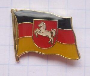Niedersachsen Fahne Wappen Deutschland Stadte Lander Pin Ebay