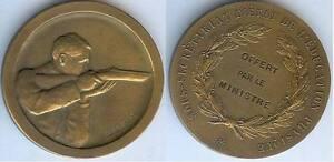 Medaille-de-table-Prix-de-tir-offert-par-le-minsitre-de-l-039-education-physique