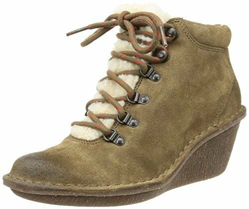 ladies MARSDEN GRACE Clarks Women khaki Suede Boots size 5 D warm winter