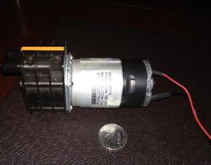 Diaphragme Rotatif Pompe à Eau 24 V-afficher Le Titre D'origine Dissipation Rapide De La Chaleur