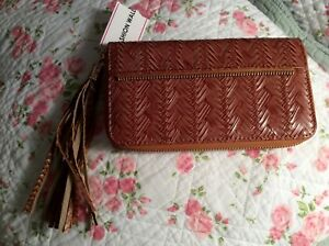 Womens-Wallet-Zippered-NEW-w-039-tag-Brown-Tassel-Leather-Clutch-Roomy-FREE-SHIPPING