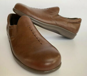 SAS-Women-s-9-1-2-S-Brown-Leather-Tripad-Comfort-Soft-Step-Slip-On-Loafer-Shoes