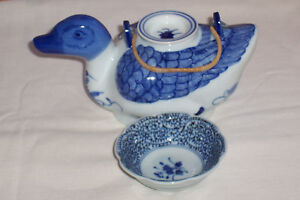 Preowned-Hand-Painted-Blue-Floral-Ceramic-Goose-Teapot-with-LId-and-Dish
