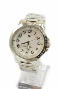Tommy-Hilfiger-1781397-Liv-White-Dial-Stainless-Steel-Bracelet-Ladies-Watch