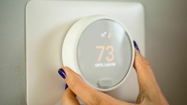 SALE:  Nest - Thermostat E - T4000ES - White w/Base Learning Thermostat