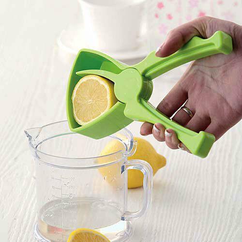 Hand Press Crank Tongs Lemon Citrus Fruit Juice Squeezer Extractor Juicer e