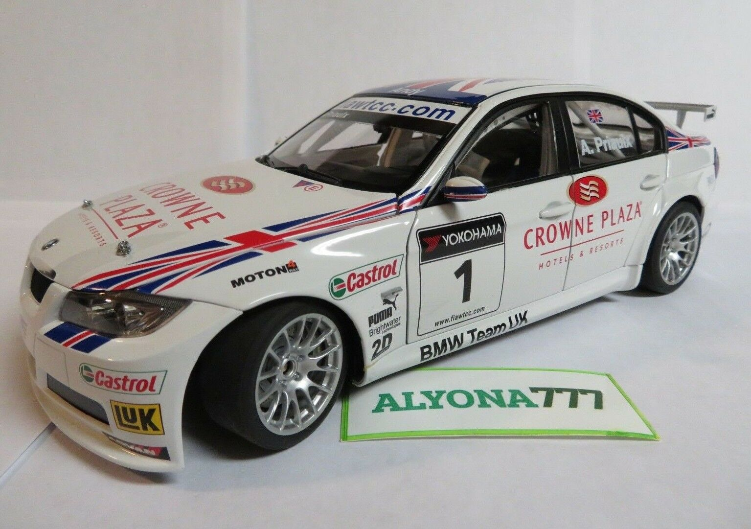 AUTOart 1 18 BMW E90 320Si 2007 Winner  1 WTCC DIECAST CAR MODEL 1 18 RARE