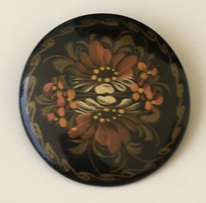 Vintage-Russian-Lacquer-Floral-artist-signed-Brooch
