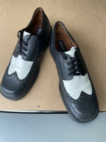 1960s Navy Blue Womens Lace Up Oxford Wingtip Spectator Shoes