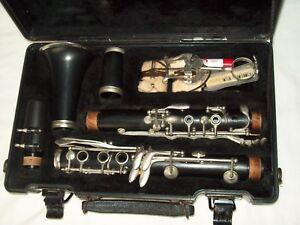 Belle Vintage Artley Clarinette Avec étui Plus Extras!!!-afficher Le Titre D'origine Pour AméLiorer La Circulation Sanguine