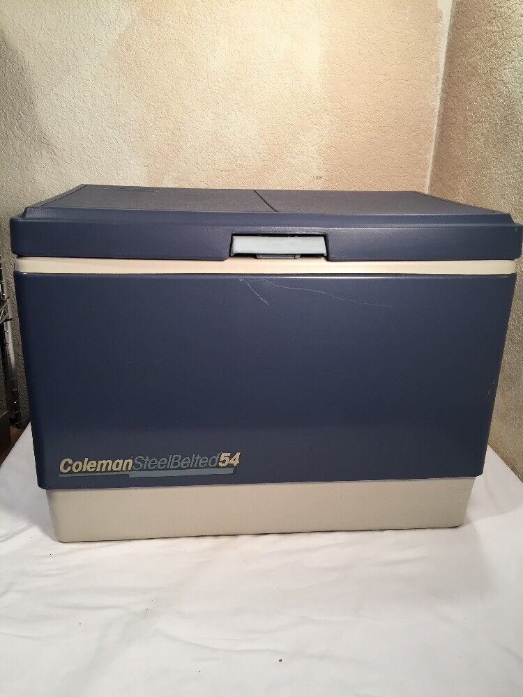 Vintage Coleman  54 Steel Belted Cooler bluee Nice    free delivery and returns