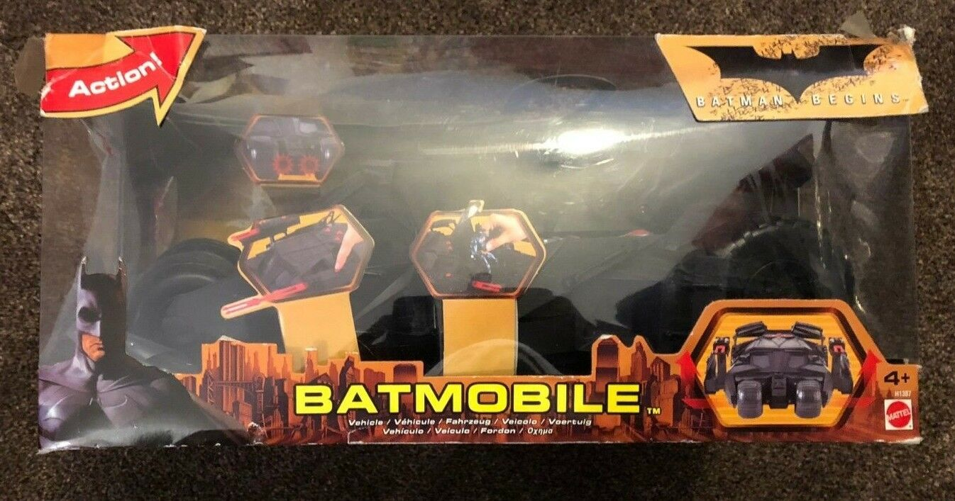 Mattel - batman begins batmobil