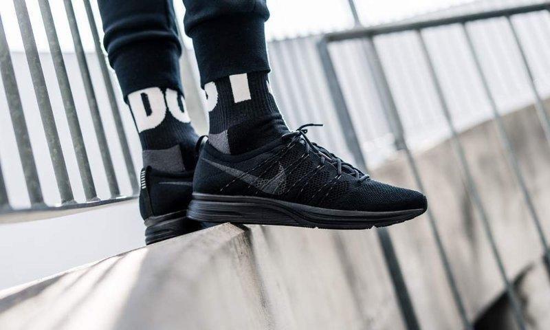 Nike Flyknit Trainer  sz 10.5 retro ah8396 004   retro 10.5 running shoes react 651813