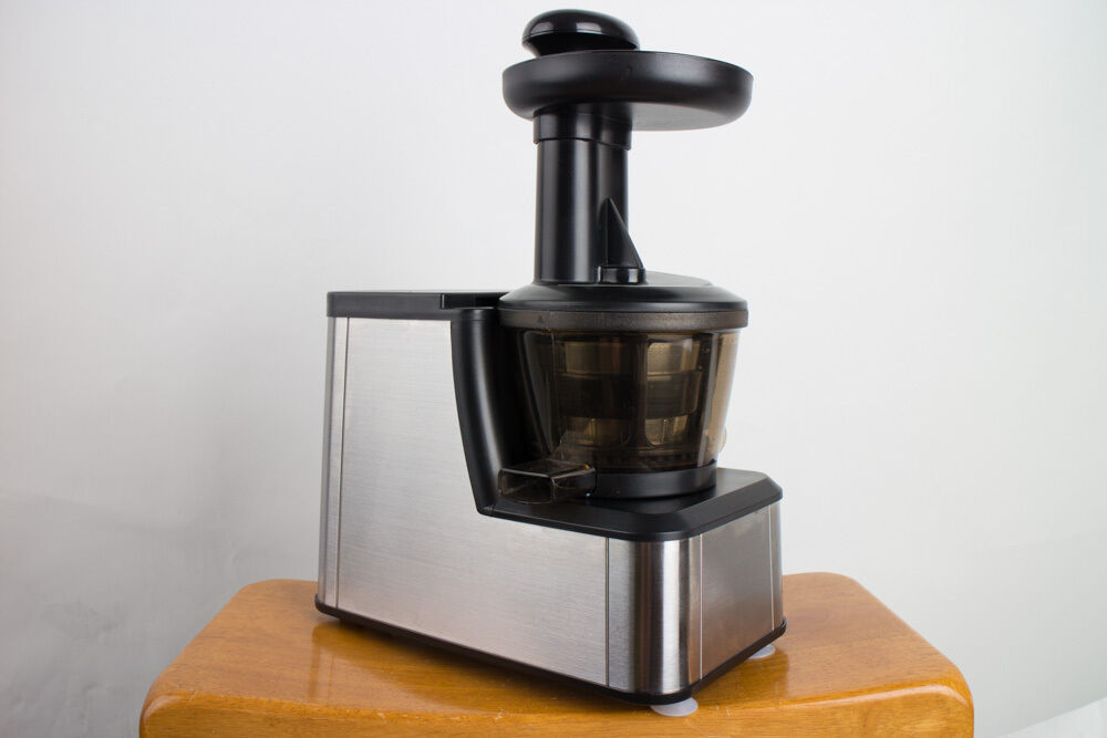 Dash JB250 Stainless Steel Slow Squeeze Masticating Juicer