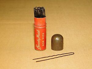 VINTAGE-HAIR-LIPSTICK-STYLE-TIN-2-1-8-034-BEAUTY-MAID-BOB-PINS-with-BOBBY-PINS
