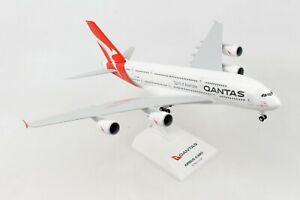 SKYMARKS-SKR1000-QANTAS-AIRLINES-A380-800-1-200-SCALE-PLASTIC-SNAPFIT-MODEL