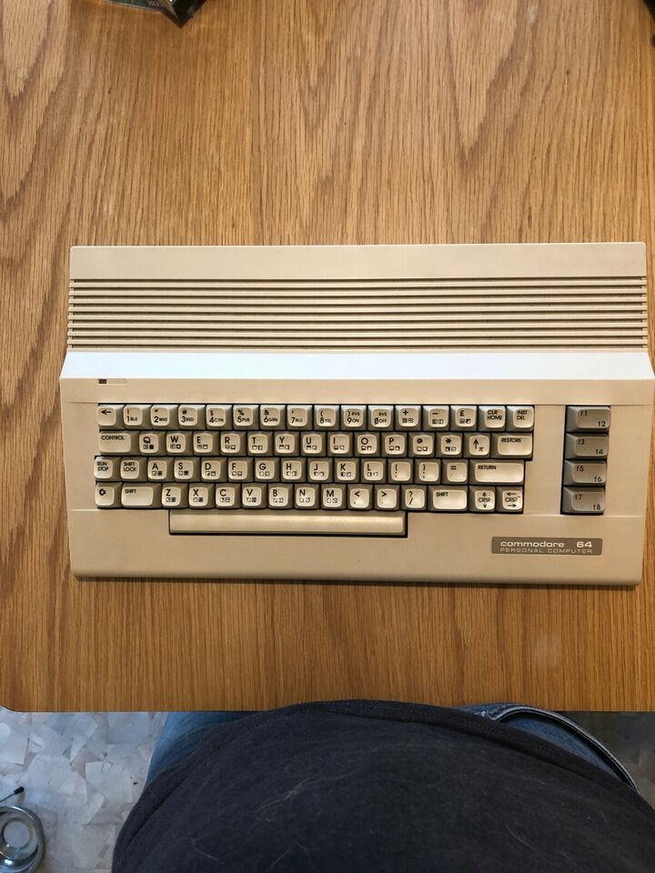 Commodore 64 , spillekonsol, God