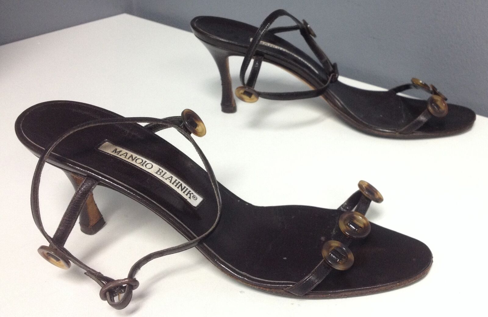 MANOLO BLAHNIK Brown Leather Button Accented Ankle Buckle Sandals Sz 37 B4539