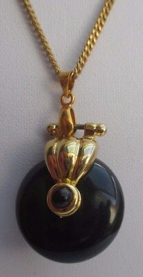 Pendentif Chaîne Collier Bijou Vintage Double Face Perle Noir Couleur Or *1944 Avere Sia La Qualità Della Tenacia Che La Durezza
