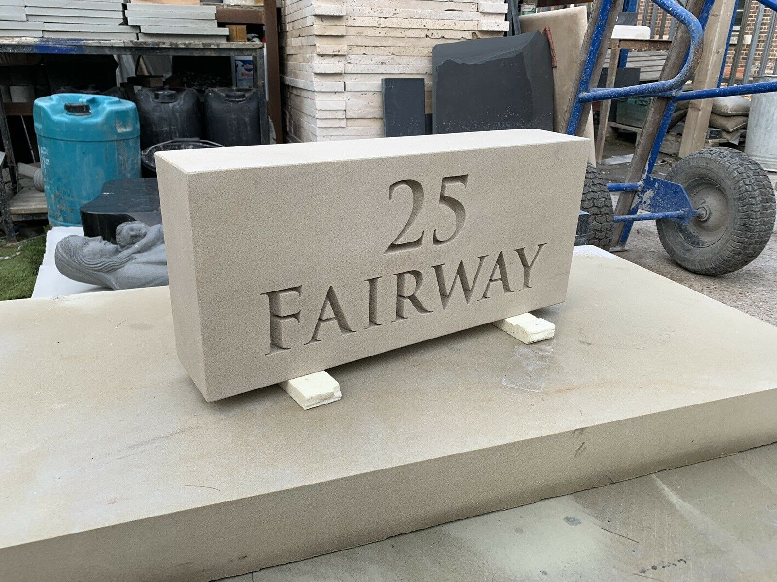 Cadeau de fin d'année, vente vente vente directe à l'usine Yorkstone House Sign Custom Made | Magasiner