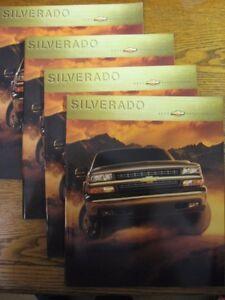 2000-Chevrolet-Silverado-Truck-Brochure-LOT-4-pcs-LS-LT-Xlnt