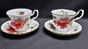 Royal-Albert-England-Bone-China-Yuletide-Pair-of-Cups-amp-Saucers