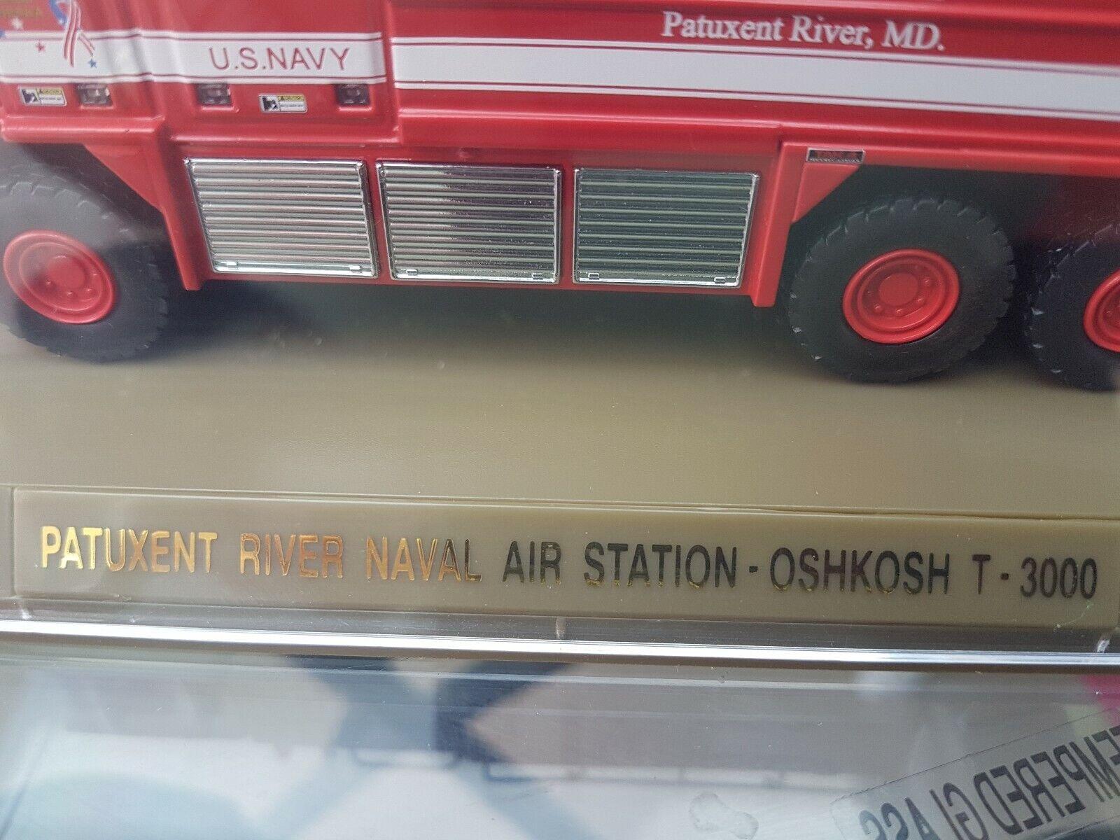 Código 3 Patuxent River base naval Oshkosh Crash camión 12874 1 64 Diecast